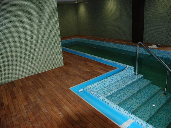 Parchet masiv de baie